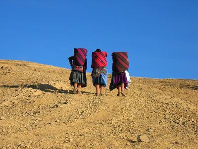 PERU-titicaca-amantanifrauen