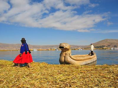 PERU-titicaca-urosfrau